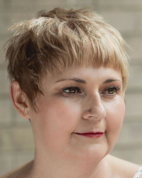 40 Short Hairstyles for Round Faces and Double Chins - Babydoll Couture Glam