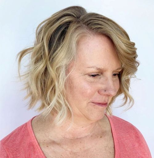 Easy Tousled Bob for a Double Chin