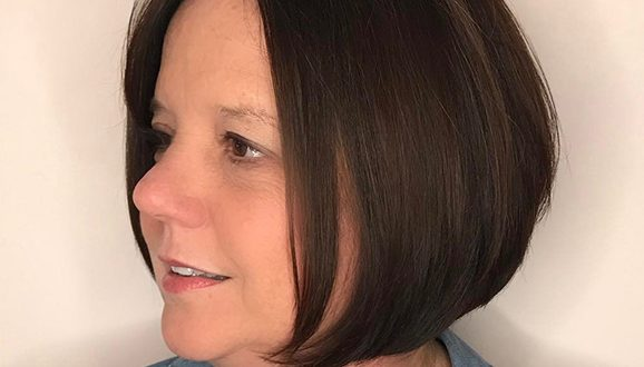 40 Astonishing Haircuts for Women over 50 with a Round Face